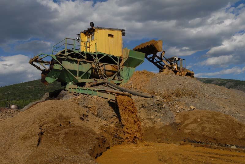 Промывочный прибор ПБШ на россыпной добыче золота